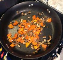 breakfast hash mushroom and pepper saute_1