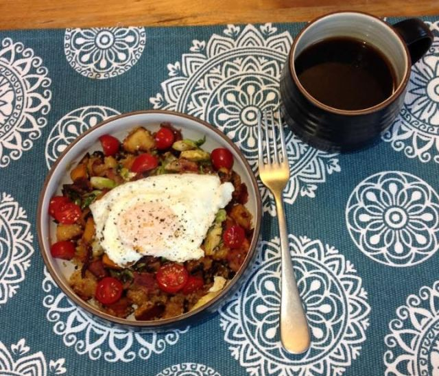 Harissa Quinoa Breakfast Bowl.JPG