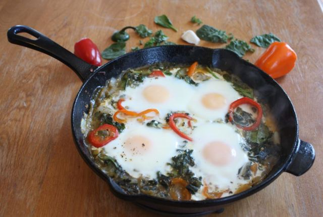 green shakshuka egg cast iron