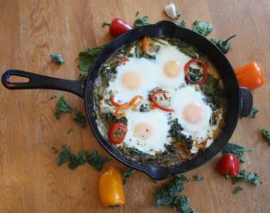 green shakshuka egg cast iron_2