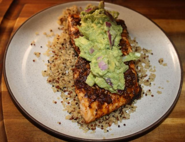 grilled salmon with avocado salsa_2