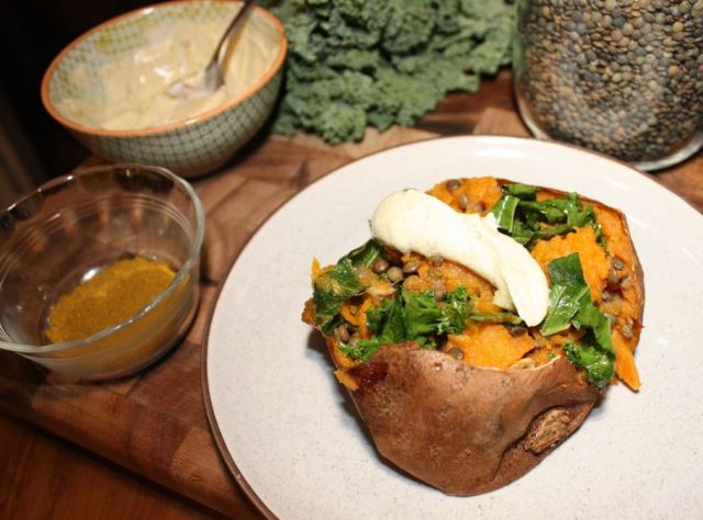 baked sweet potatoes stuffed with curried kale mushrooms and lentils_3