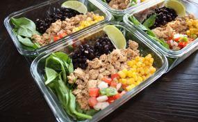 chipotle chicken burrito bowls meal prep_1