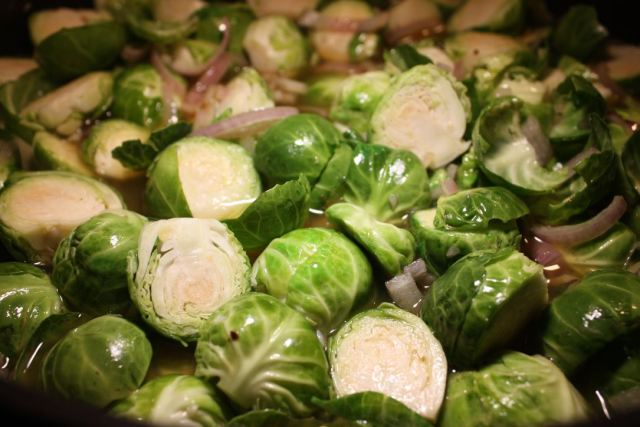 cider braised brussels sprouts with bacon_2