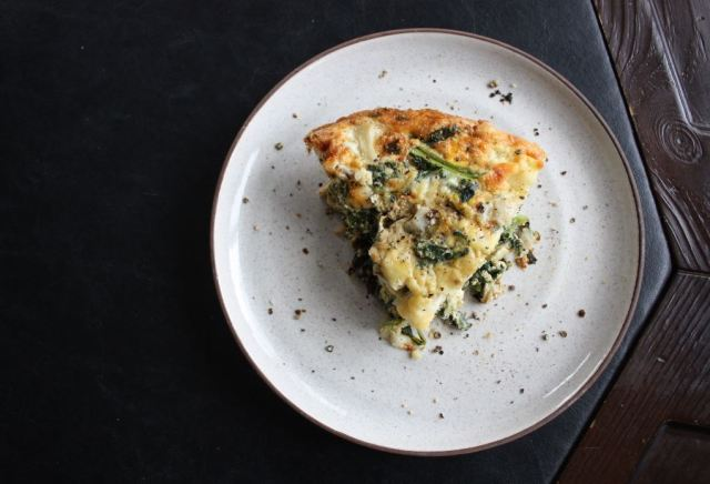 kale potato onion frittata_4.JPG