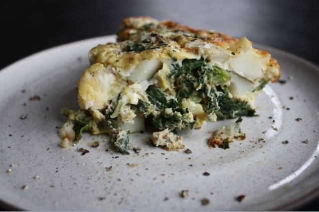 kale potato onion frittata_6